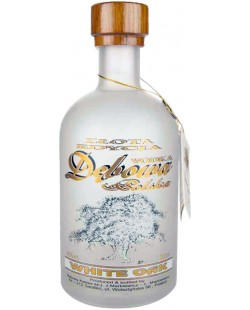 Vodka Debowa white oak